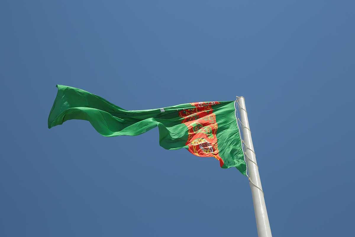Türkmenistan 100 mt Dev Bayrak Direkleri
