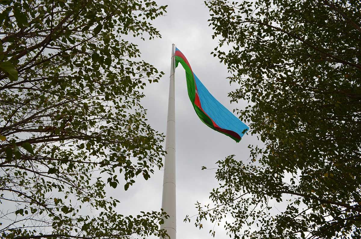Azerbaycan 100 mt Bayrak Direği